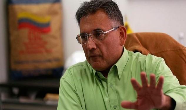 No tenemos que generar obreros sino productividad — Ministro Arias