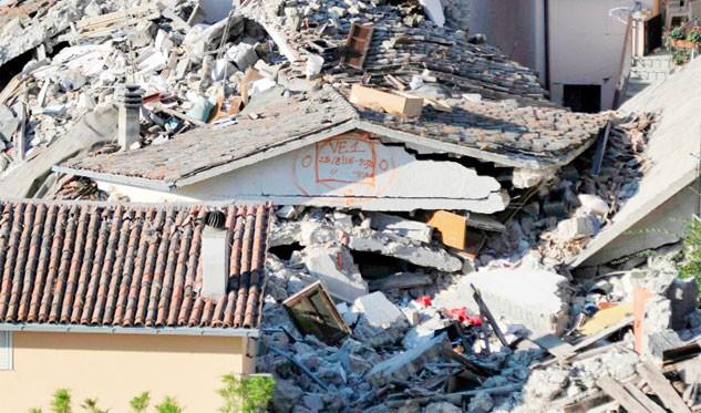 Conmemoran en funeral de Estado a víctimas de terremoto en Italia