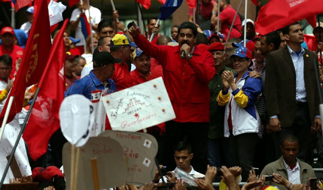 Crece tensión en Venezuela por revocatorio contra Maduro