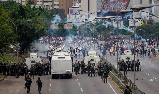 Ministro Reverol responsabilizó a diputado Julio Borges por fallecidos en protestas