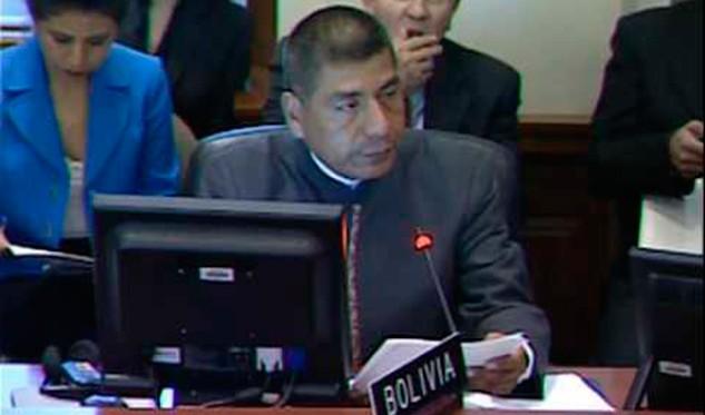 Ecuador considera que Venezuela debe resolver crisis sin injerencias externas