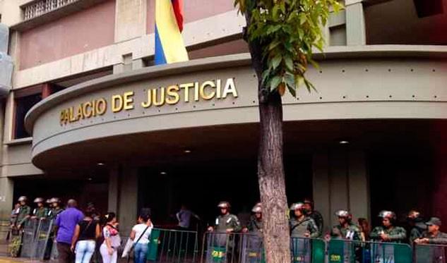 Asesinan a un juez en medio de protestas callejeras en Caracas