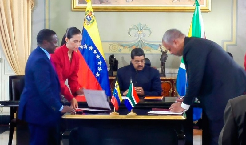 Venezuela firma acuerdos con Sudáfrica en materia de minería