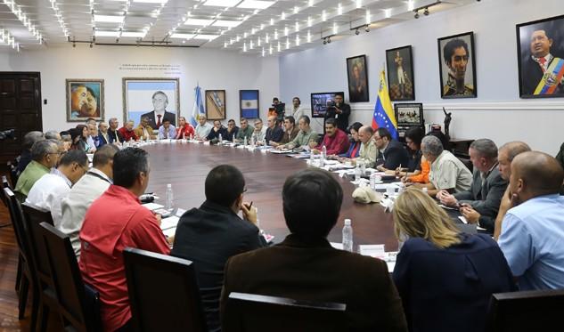 VENEZUELA: Maduro expresó disposición de dialogar con el presidente de Estados Unidos