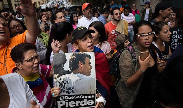 Sale de la cárcel Leopoldo López, opositor más radical en Venezuela