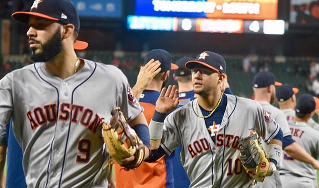 José Altuve de 5-4 y bambinazo pero Astros perdió ante Orioles