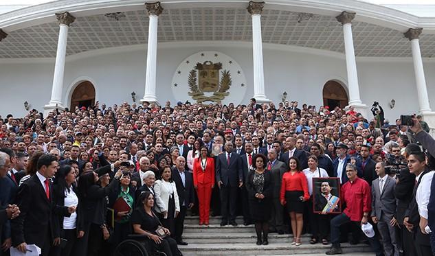 Fuerzas Armadas de Venezuela controlaron una rebelión militar