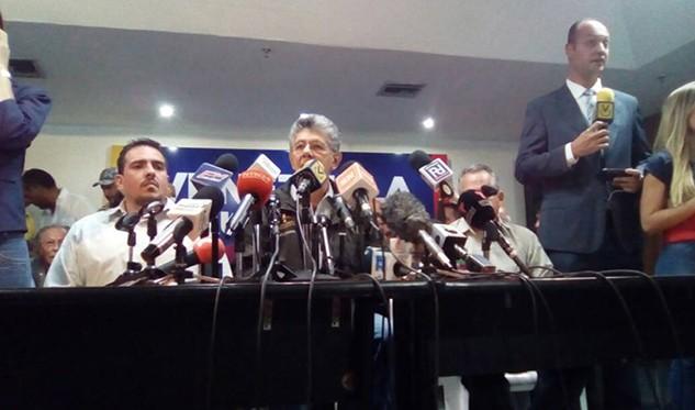 Oposición venezolana decide realizar primarias para las regionales el 10 de septiembre