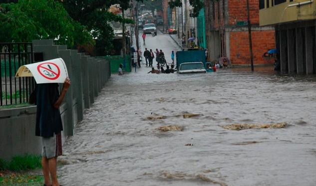 Lluvias en Puerto Cabello dejan una persona fallecida