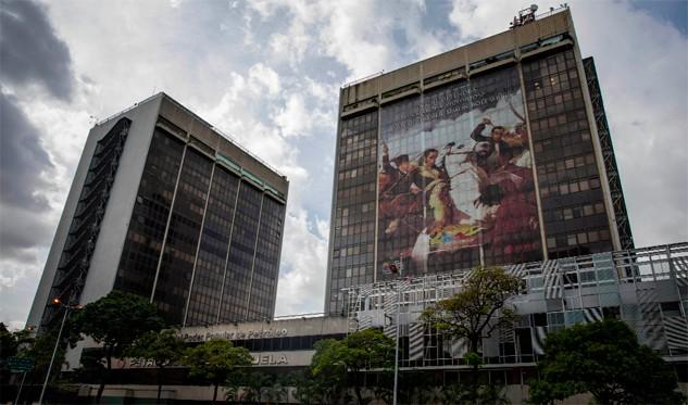 Venezolana PDVSA inicia pago de intereses de bonos 2020 y 2022