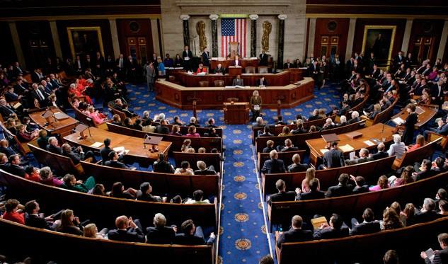 Congreso aprueba viajar libremente con armas por Estados Unidos