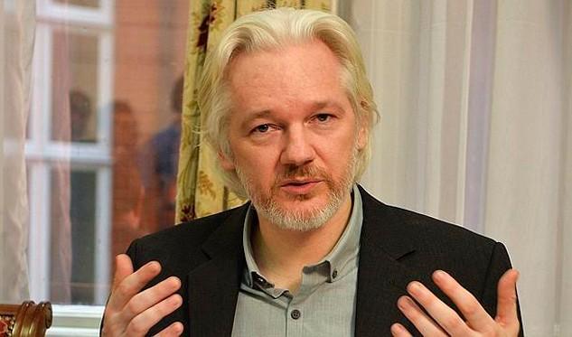 Borran temporalmente cuenta de Twitter de Julian Assange